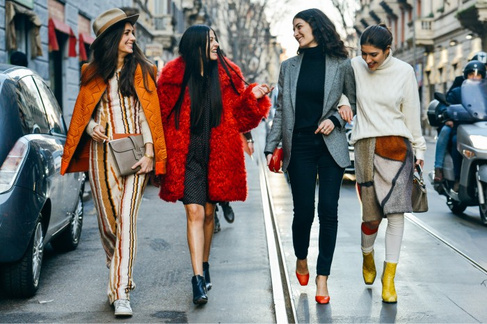 http://www.thefashionmedley.com/category/fashion-2/street-style/page/7/